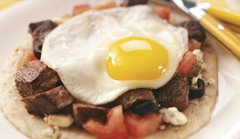 Mediterranean Steak & Egg Pitas
