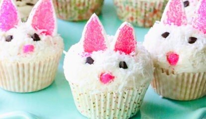 Blueberry Lemon Easter Cupcakes
