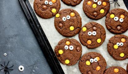 Eye-Catching Double Chocolate Crinkle Cookies