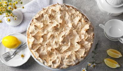 Chocolate Pie with Fluffy Meringue