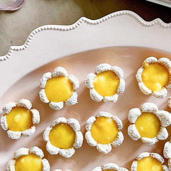Photo of Mini Lemon Petal Pies