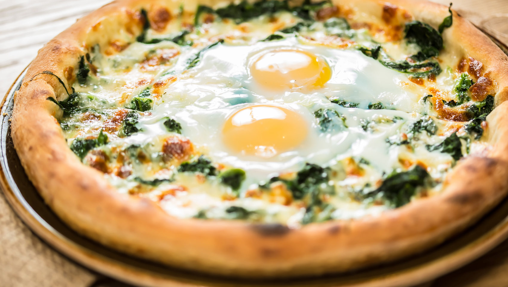 Spinach Egg Breakfast Pizzas