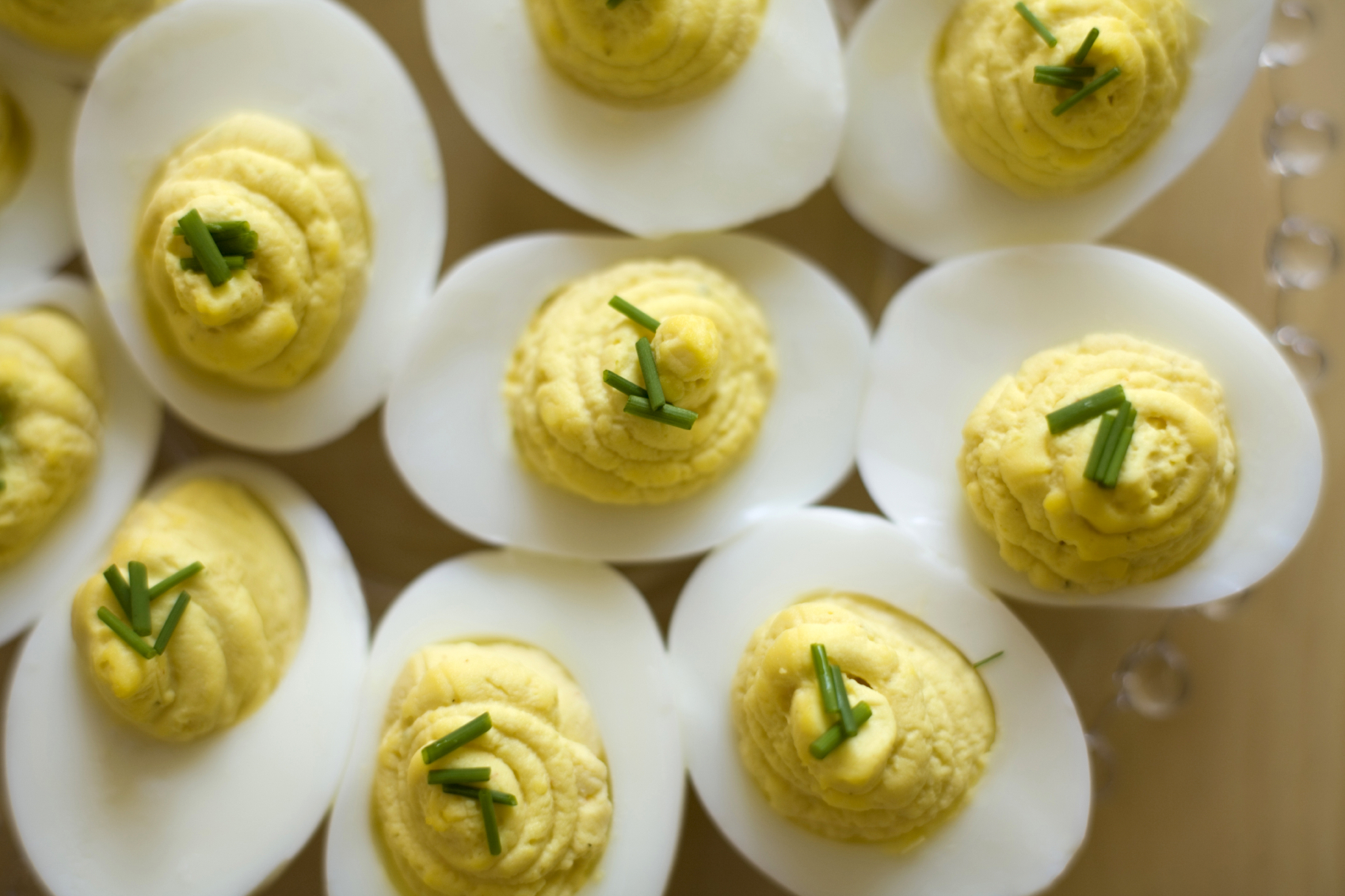 EB Fit Tip: Hard-Cooked Peeled Eggs