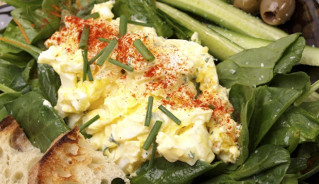 Spicy Egg Salad Naanwiches