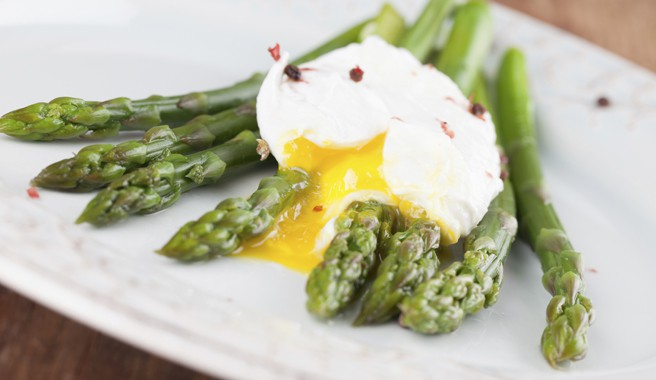 Soft Poached Eggs with Tarragon and Asparagus