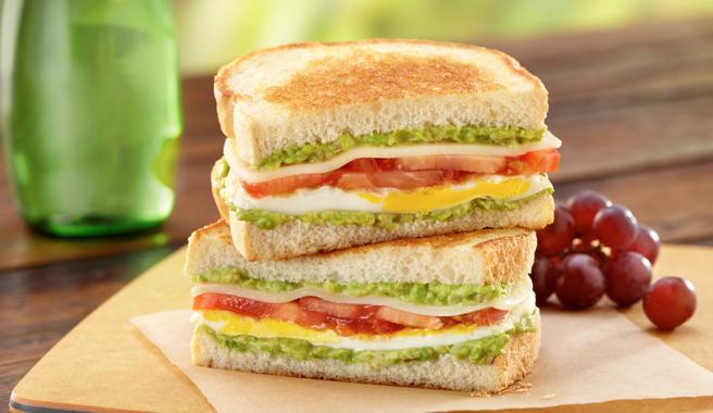 CaliStyle_FriedEggSandwich