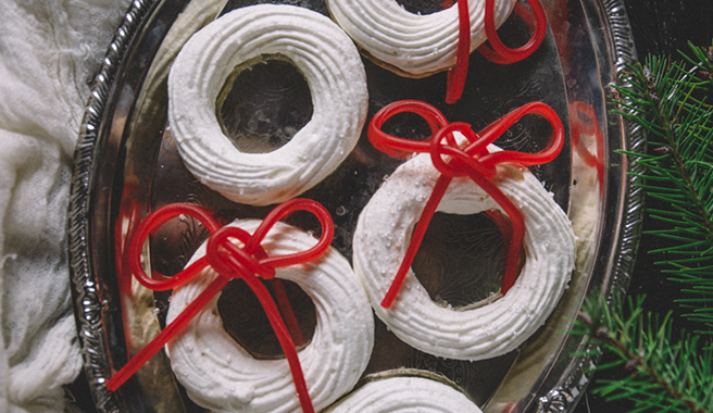 Snow-Covered Meringue Wreaths